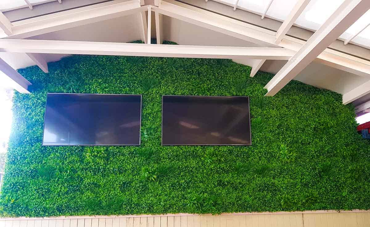 Artificial Plants at Settlers Inn